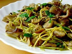 Imagen de unos spaghetti ai funghi porcini