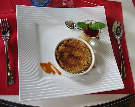 imagen de Crumble pommes rhubarbe, gelée de fruits au caramel