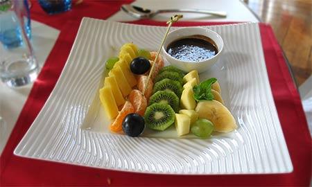 imagen de una Fondue de fruits d'hiver, sauce chocolat chaud