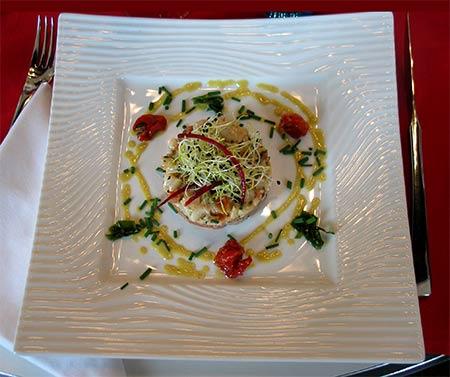 imagen de un tartare de saumon et pétoncles, citron vert et gingembre confit