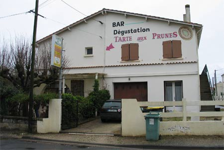 Bar dégustation tarte aux prunes, (Charente-Maritime)