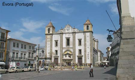 plaza de Évora en Portugal